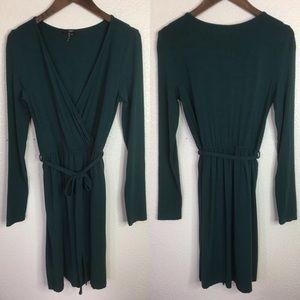 Tart Green Stretch Long Sleeve Wrap Dress Size XS